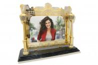 Фоторамка со златоустовской гравюрой — неповторимый подарок, который обязательно произведёт впечатление!