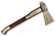 Украшенный топор — прекрасный подарок ценителям златоустовской гравюры на стали